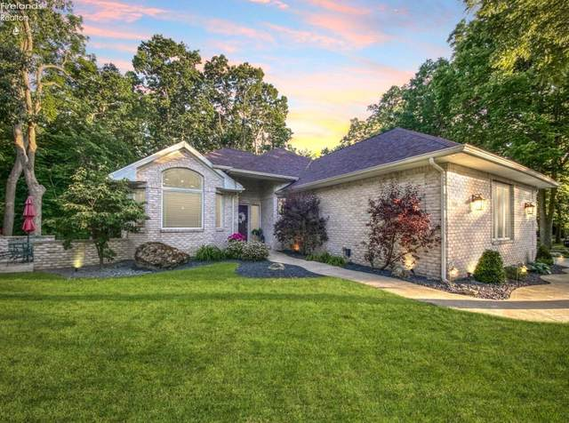 3548 E High Point Lane, Port Clinton, OH 43452 (MLS #20202238) :: The Holden Agency