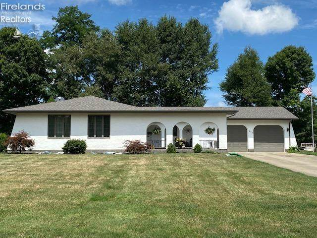 617 Van Oaks Drive, Amherst, OH 44001 (MLS #20203222) :: The Holden Agency