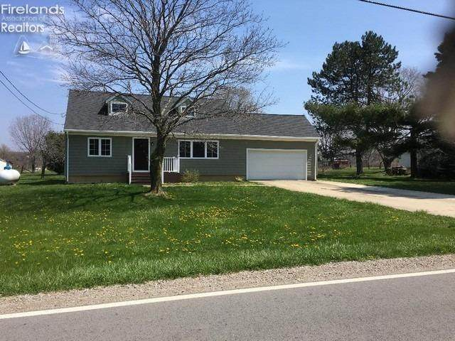 7008 Risden, Vermilion, OH 44089 (MLS #20204539) :: The Holden Agency