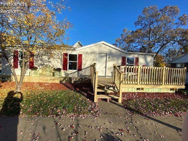 429 W 5th Street, Port Clinton, OH 43452 (MLS #20204724) :: The Holden Agency