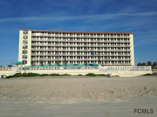 701 S Atlantic Ave #111, Daytona Beach, FL 32118 (MLS #242935) :: Memory Hopkins Real Estate
