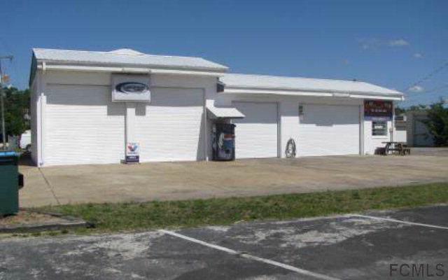 102 N Main St, Bunnell, FL 32110 (MLS #253614) :: The DJ & Lindsey Team