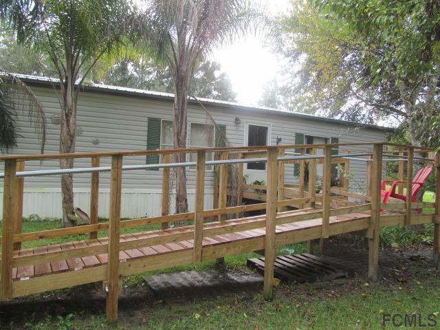 1013 Forest Park St, Bunnell, FL 32110 (MLS #243383) :: Memory Hopkins Real Estate