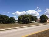 713 Wildwood Parkway - Photo 2