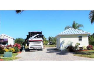 3022 E Riverbend Resort Blvd, Labelle, FL 33935 (MLS #217010065) :: The New Home Spot, Inc.
