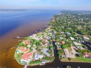 940 Aqua Ln, Fort Myers, FL 33919 (MLS #217013967) :: The New Home Spot, Inc.