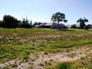 1310 SW 17th Ave, Cape Coral, FL 33991 (MLS #217036371) :: RE/MAX DREAM