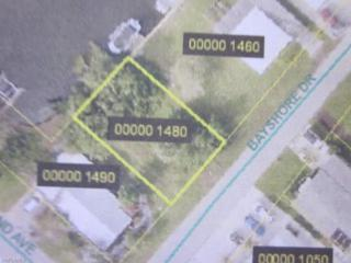 2626 Bayshore Dr, Matlacha, FL 33993 (MLS #214004377) :: The New Home Spot, Inc.