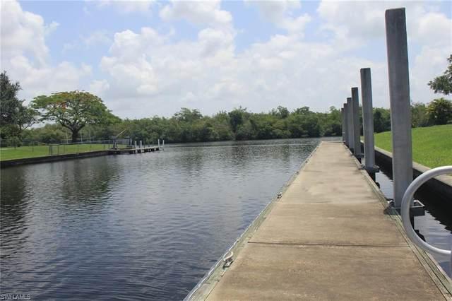 6738 Danah Court, Fort Myers, FL 33908 (#216028864) :: The Dellatorè Real Estate Group