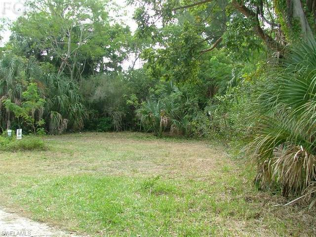 5821 Pine Tree Drive, Sanibel, FL 33957 (MLS #215043490) :: Florida Homestar Team