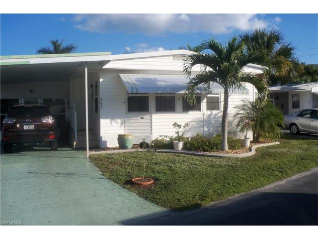 263 Yorkshire Ave, Fort Myers, FL 33908 (#216078529) :: Homes and Land Brokers, Inc