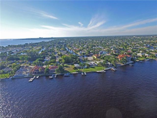 5665 Riverside Dr, Cape Coral, FL 33904 (MLS #217004859) :: The New Home Spot, Inc.