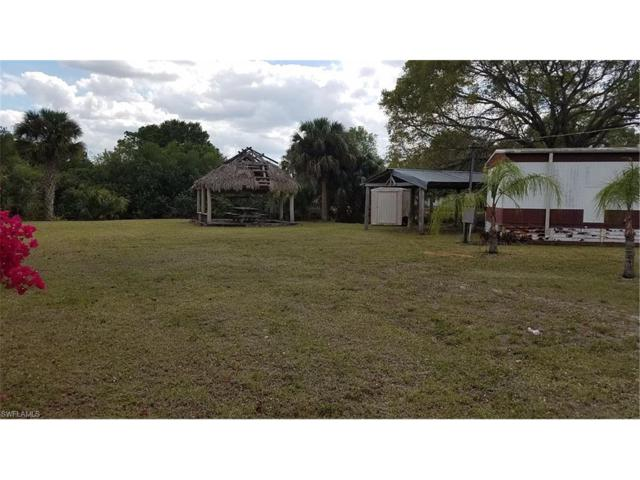 870 Linda Ct, Labelle, FL 33935 (#217023796) :: Homes and Land Brokers, Inc