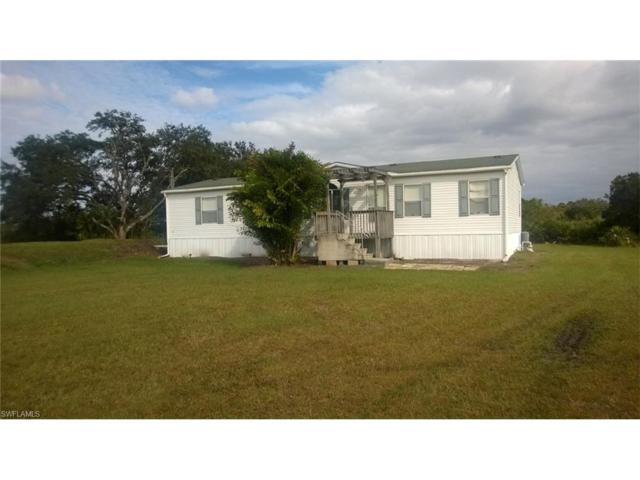 1678 Comanche Trl, Labelle, FL 33935 (#217027475) :: Homes and Land Brokers, Inc