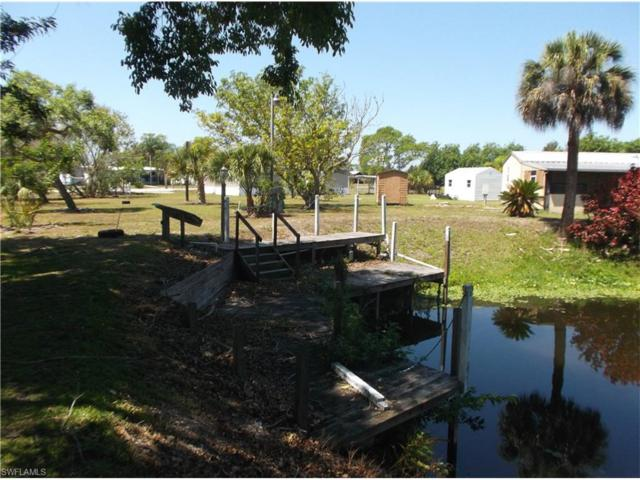 1300 Riverview Dr, Moore Haven, FL 33471 (MLS #217033201) :: The New Home Spot, Inc.