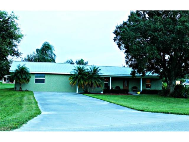 1519 West Ave, Moore Haven, FL 33471 (#217046302) :: Homes and Land Brokers, Inc