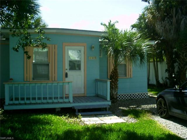 137 Pearl St, Fort Myers Beach, FL 33931 (MLS #217048942) :: The New Home Spot, Inc.