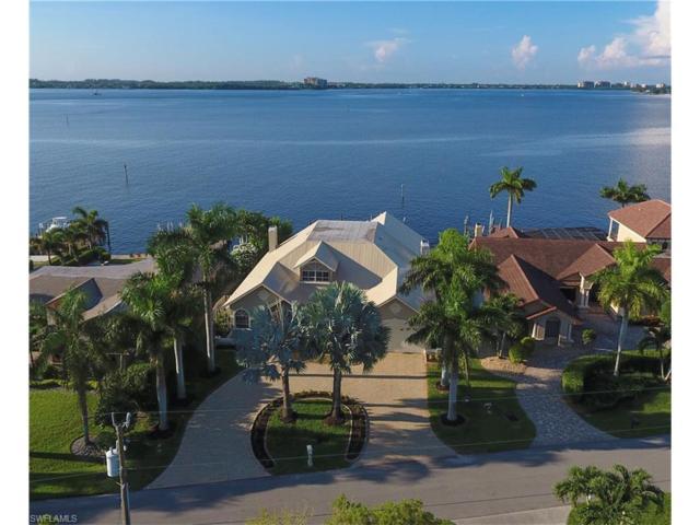 1638 Edith Esplanade, Cape Coral, FL 33904 (MLS #217052414) :: Florida Homestar Team