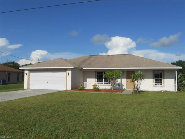 836 Woodridge Cir, Fort Myers, FL 33913 (MLS #217052798) :: The New Home Spot, Inc.