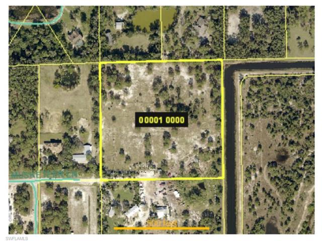 7401 Musketeer Ln, Fort Myers, FL 33912 (MLS #217055161) :: The New Home Spot, Inc.
