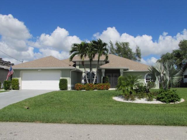 423 SE 32nd St, Cape Coral, FL 33904 (MLS #217064180) :: Florida Homestar Team