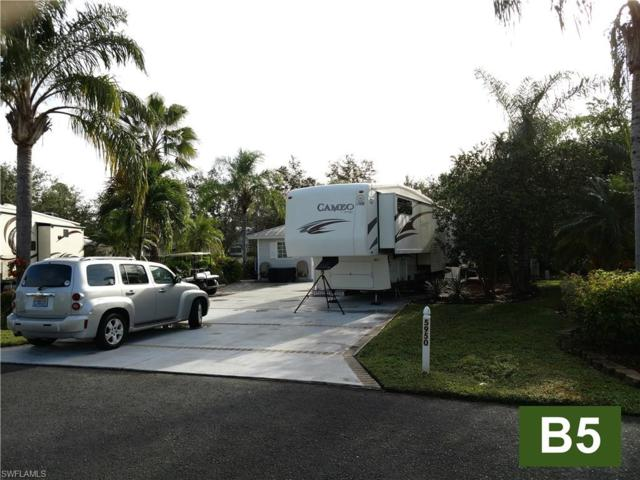 5950 Maplewood Ct, Fort Myers, FL 33905 (MLS #217067823) :: The New Home Spot, Inc.