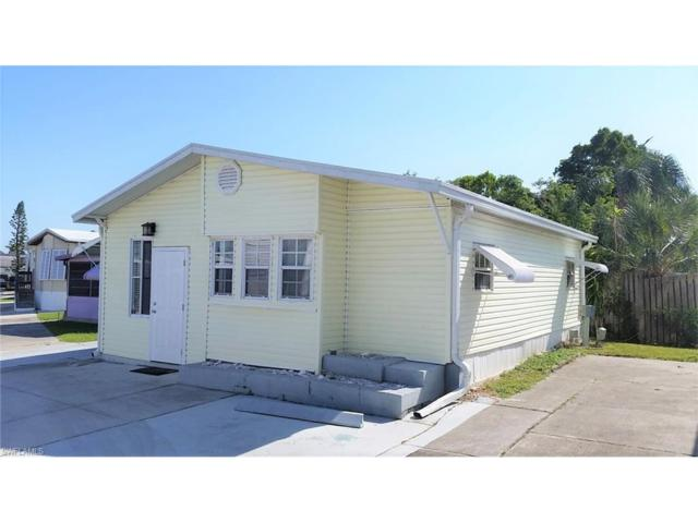 11621 Ariana Dr, Fort Myers, FL 33908 (MLS #217071468) :: RE/MAX Realty Team