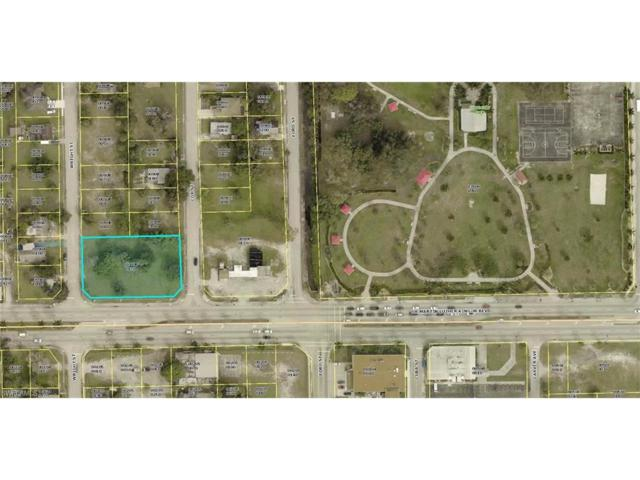 3159 Dr Martin Luther King Blvd, Fort Myers, FL 33916 (MLS #218000700) :: The New Home Spot, Inc.