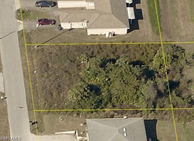 737 Ichabod Ave, Lehigh Acres, FL 33973 (MLS #218007211) :: RE/MAX Realty Team
