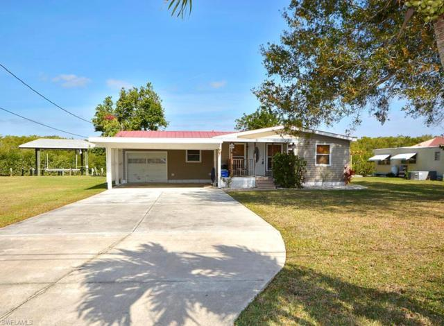 2904 8th Ave, St. James City, FL 33956 (MLS #218007832) :: RE/MAX Realty Group
