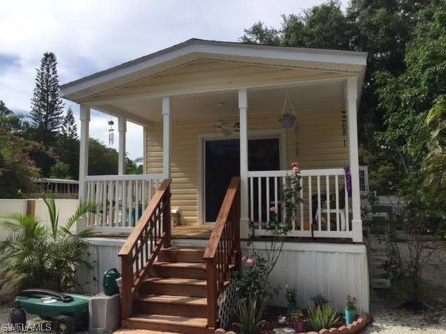 10260 Georgia St, Bonita Springs, FL 34135 (MLS #218012979) :: RE/MAX Realty Team