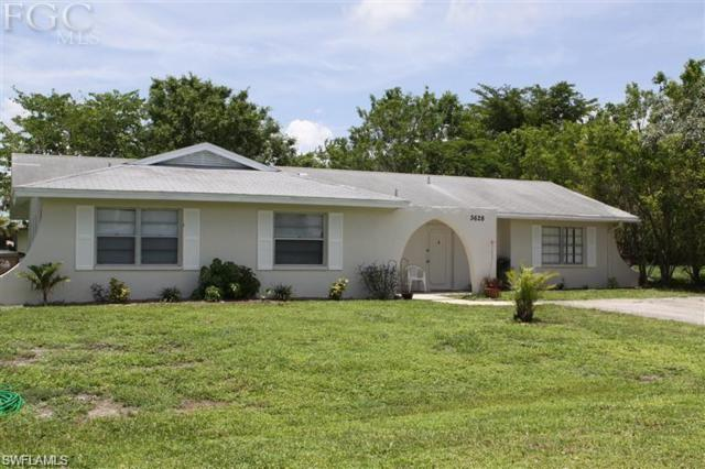 3628 SE 10th Ave, Cape Coral, FL 33904 (MLS #218028540) :: RE/MAX Realty Group