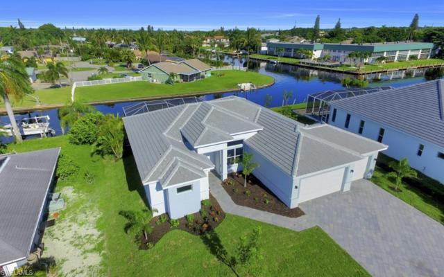 1404 Wellington Ct, Cape Coral, FL 33904 (MLS #218029050) :: The New Home Spot, Inc.
