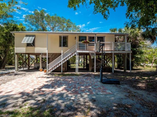 1520 Centre St, Sanibel, FL 33957 (MLS #218029353) :: The New Home Spot, Inc.