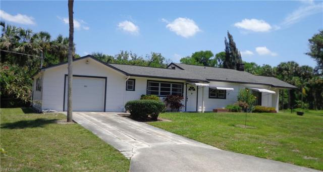 371 N Riverview St, Labelle, FL 33935 (MLS #218037510) :: The New Home Spot, Inc.