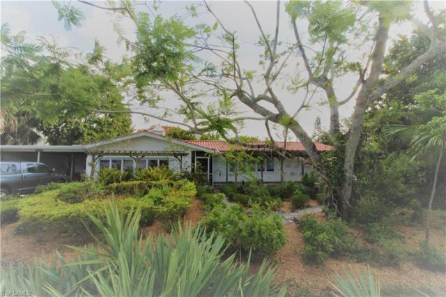 653 Coral Dr, Cape Coral, FL 33904 (MLS #218038393) :: The New Home Spot, Inc.