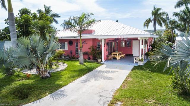 267 Flamingo St, Fort Myers Beach, FL 33931 (MLS #218041924) :: Florida Homestar Team