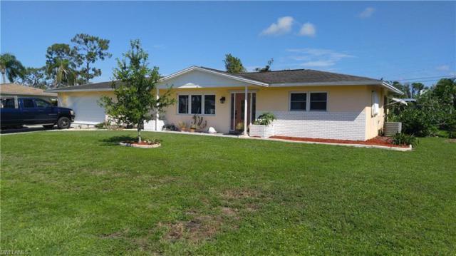 323 Hollywood St, Lehigh Acres, FL 33936 (MLS #218045621) :: Clausen Properties, Inc.