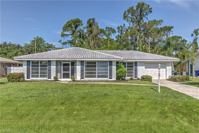 8812 Geneva St, Fort Myers, FL 33907 (MLS #218048052) :: The Naples Beach And Homes Team/MVP Realty