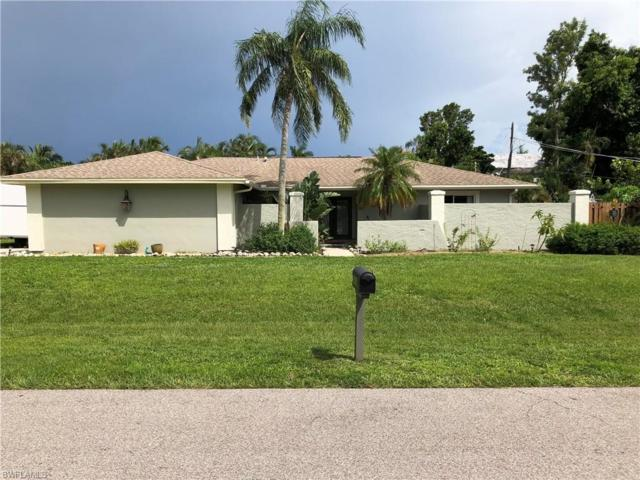 586 Sanford Dr, Fort Myers, FL 33919 (MLS #218053227) :: The Naples Beach And Homes Team/MVP Realty