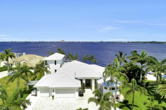 5625 Riverside Dr, Cape Coral, FL 33904 (MLS #218054834) :: Kris Asquith's Diamond Coastal Group