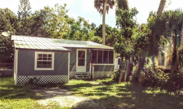 1100 Harper Ln, Moore Haven, FL 33471 (MLS #218056856) :: RE/MAX Realty Team