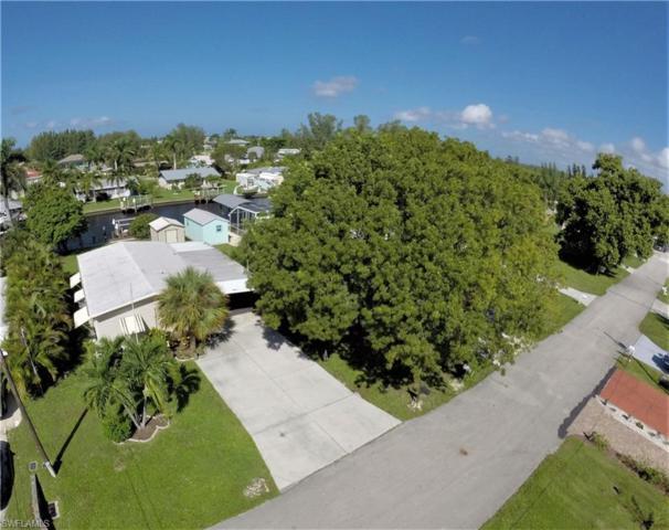 2725 Heron Ct, St. James City, FL 33956 (MLS #218063454) :: Clausen Properties, Inc.