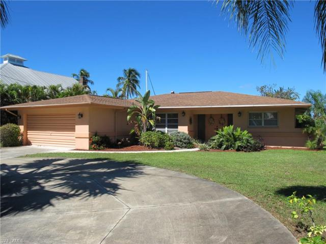 427 Avalon Dr, Cape Coral, FL 33904 (MLS #218069068) :: RE/MAX Realty Group