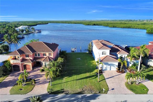 12160 Shoreview Dr, Matlacha, FL 33993 (MLS #218069189) :: RE/MAX Realty Team