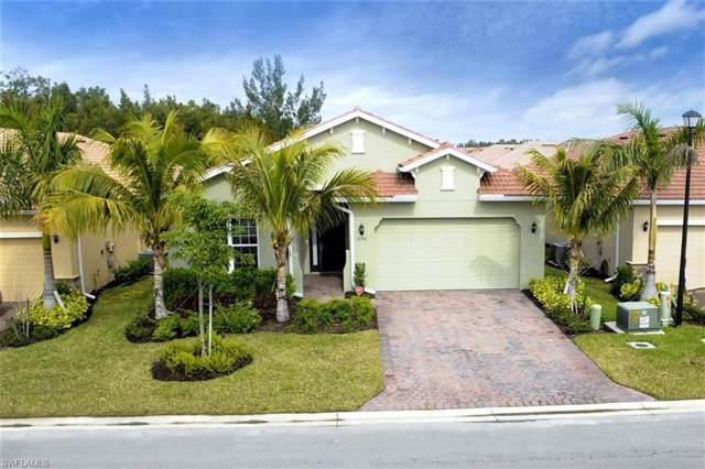 3196 Royal Gardens Ave, Fort Myers, FL 33916 (MLS #219008346) :: Clausen Properties, Inc.