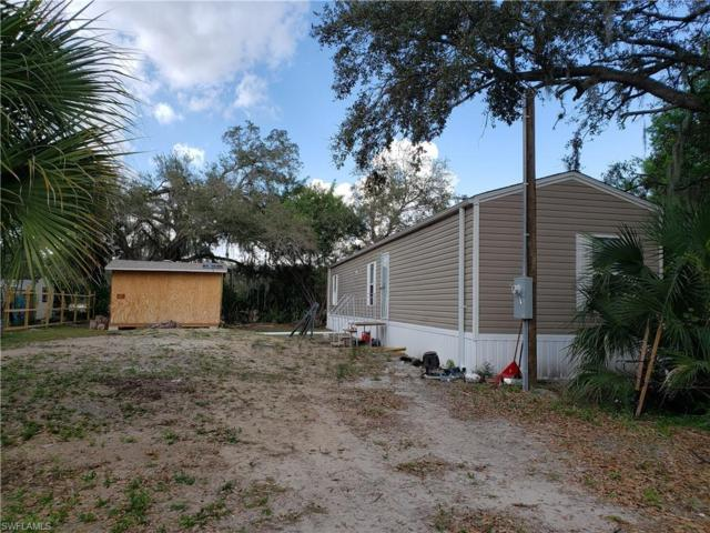 1106 Charles St, Moore Haven, FL 33471 (MLS #219013219) :: RE/MAX DREAM