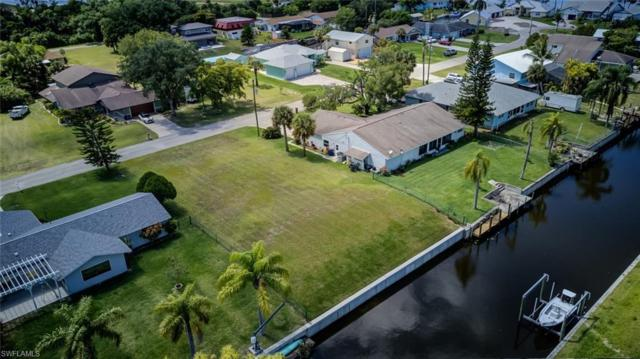 2181 Waylife Ct, Alva, FL 33920 (#219031106) :: The Dellatorè Real Estate Group