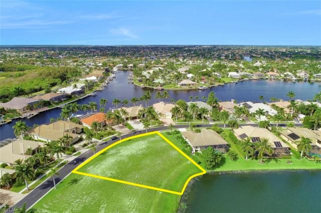 1922 Harbour Cir, Cape Coral, FL 33914 (MLS #219032200) :: The Naples Beach And Homes Team/MVP Realty