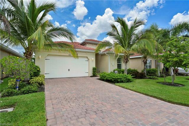 3889 King Williams St, Fort Myers, FL 33916 (MLS #219040868) :: The Naples Beach And Homes Team/MVP Realty